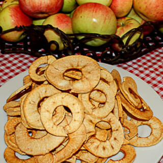 How to Make Homemade Dried Apple Rings in the Oven
