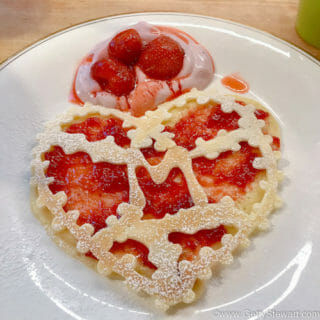 Lacy Heart-Shaped Jam-Filled Crepes