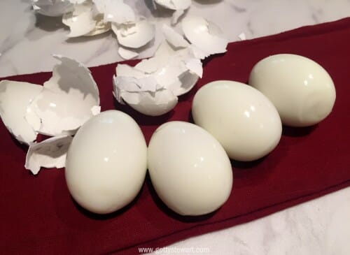 easy to peel eggs