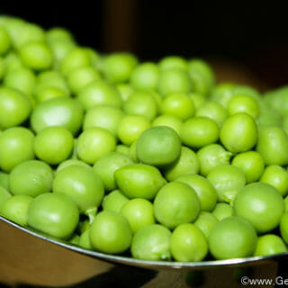 How to Blanch and Freeze Peas Fresh from the Garden