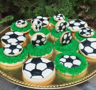 How to Decorate Soccer Cookies