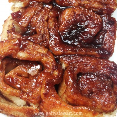 recipe: ooey-gooey cinnamon buns [36]