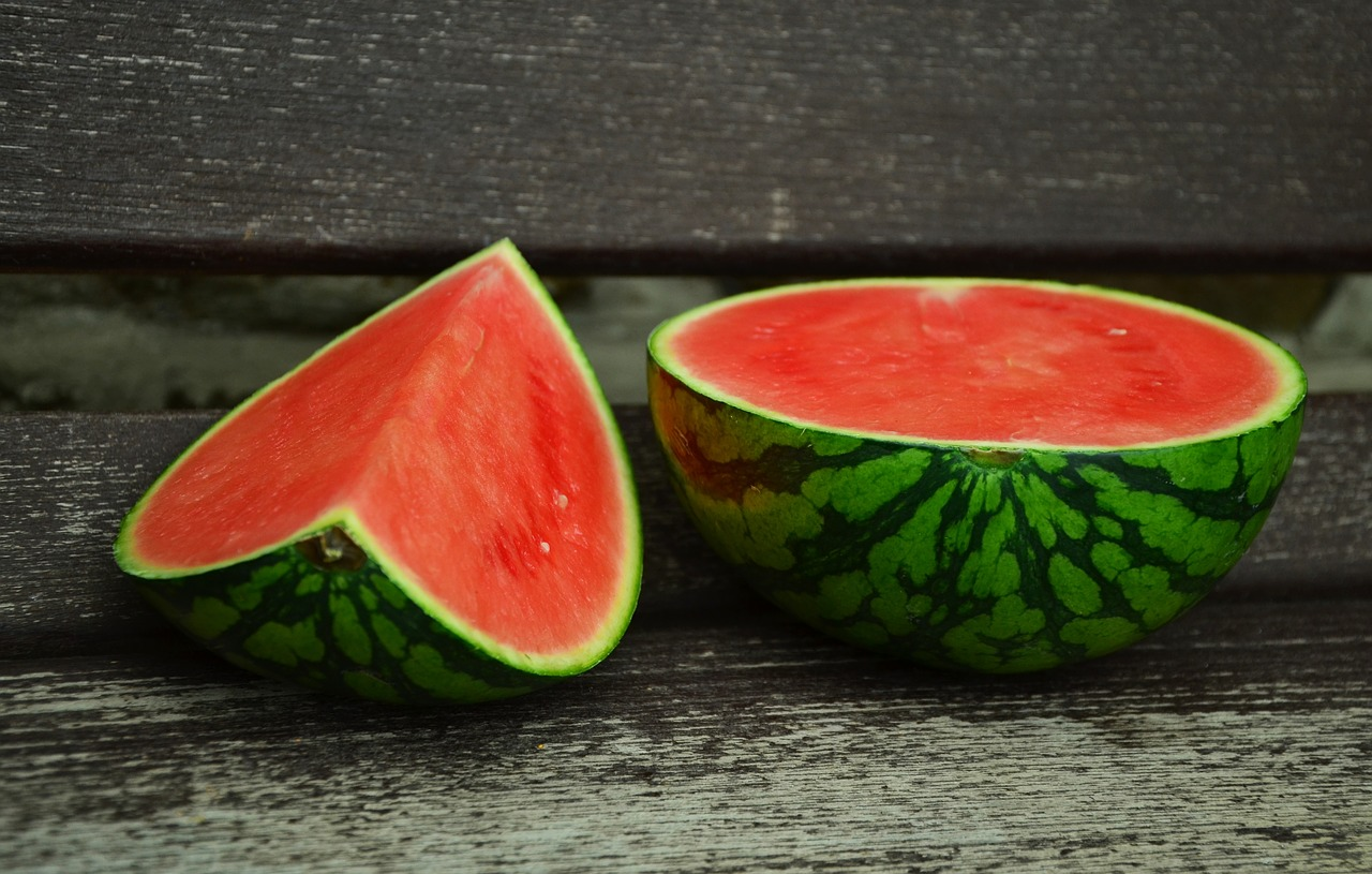 How to Cut Watermelons - With and Without the Rind