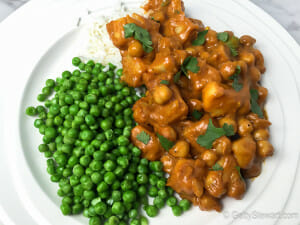 butter chickpeas with green peas