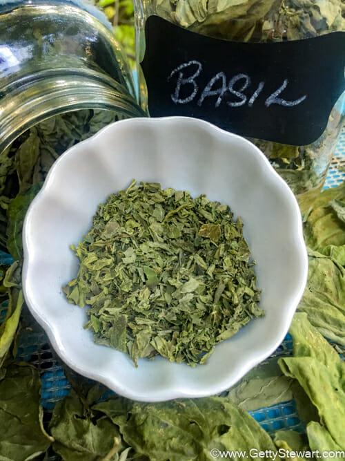 crumbled dried basil