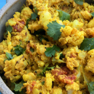Potato Cauliflower Curry – Easy and Delicious