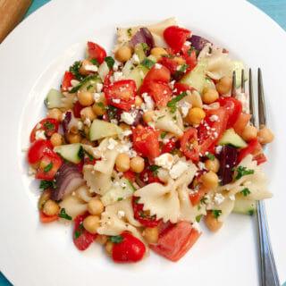 tomato cucumber pasta salad sq
